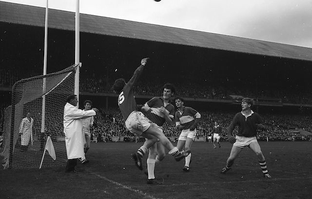 Cork Forward T. O'Brien fails to prevents ball going over the bar during the All Ireland Minor Gaelic Football Final Cork v. Laois in Croke Park on the 24th September 1967.