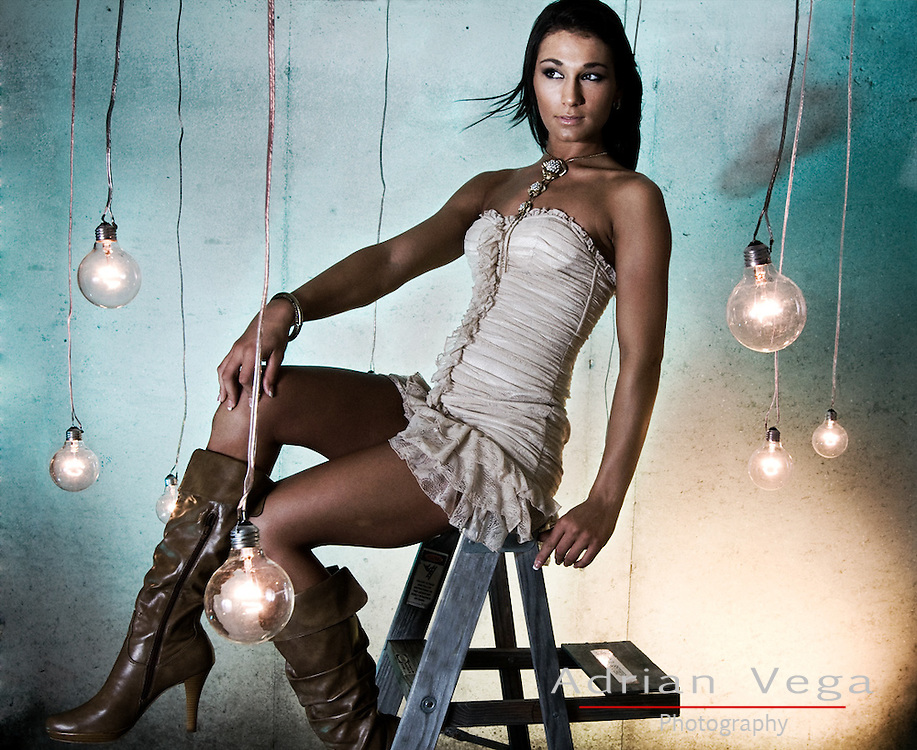 fashion shoot at lees summit missouri, lightbulb setup made by adrian vega