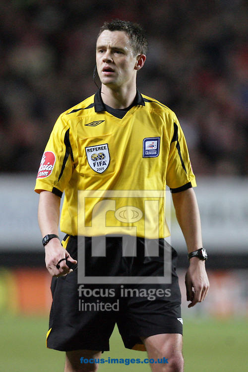 London - Tuesday December 27th, 2009:  Referee Stuart Attwell during the Coca Cola Championship match, London. (Pic by Mark Chapman/Focus Images)