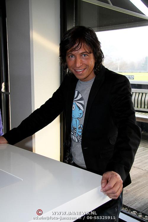 NLD/Bussum/20100122 - Bekendmaking artiesten Nationaal Songfestival 2010,  Vinzzent