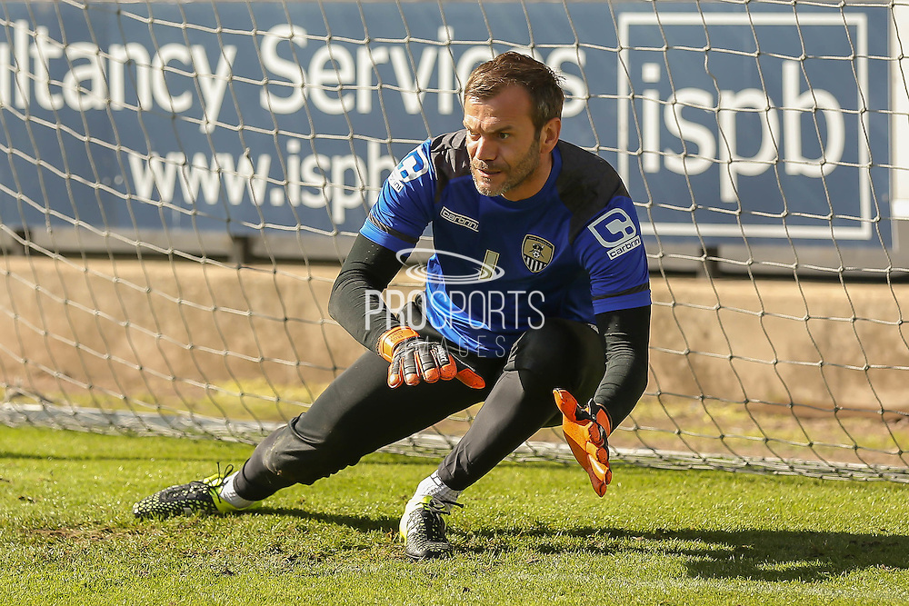 Notts County goalkeeper Roy Carroll during the Sky Bet League 2 match between Notts County and York City at Meadow Lane, Nottingham, England on 26 September 2015. Photo by Simon Davies.