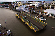BELIZE / Belize City / Swing Bridge swinging at Halouver Creek...© JOAN COSTA