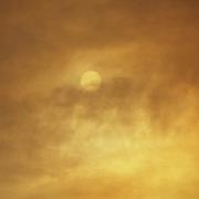 In Valsusa  continua l'emergenza incendi, denso fumo oscura il sole (TO) 29/10/2017
