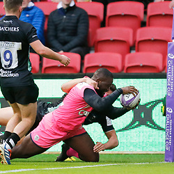 Stade's Lester Etien dives in for a try during the European Rugby Challenge Cup, Pool 4 match between Bristol Bears and Stade Francais Paris on December 7, 2019 in Bristol, United Kingdom. (Photo by Richard Lane/Icon Sport) - Ashton Gate - Bristol (Angleterre)