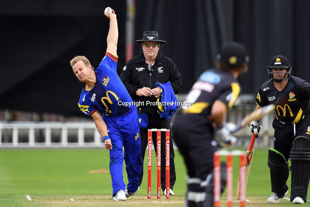 Otago Volts Neil Wagner into his delivery stride during the McDonald's Super Smash, Wellington Firebirds vs Otago Volts, Basin Reserve, Wellington, Tuesday 03rd January 2017. Copyright Photo: Raghavan Venugopal / www.photosport.nz