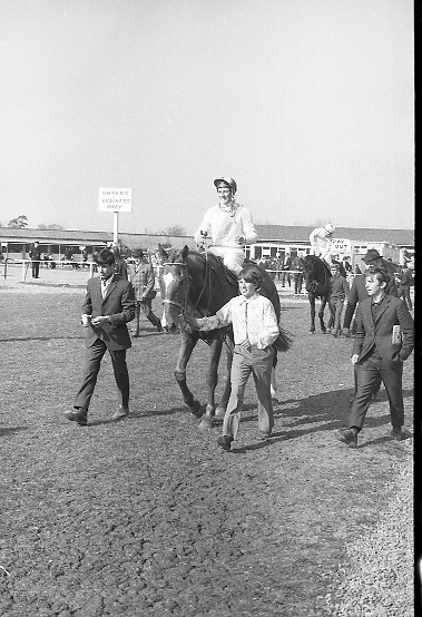 "The 'Powers' Gold Cup, Fairyhouse..1971..13.04.1971..04.13.1971..13th April 1971..The Running of the 'Powers' Gold Cup,sponsored by Irish Distillers, was run today at Fairyhouse, Co Meath..The race was won by 'Glending""ridden by John Donaghy. The horse is owned by Mr J.W.Osborne and trained by Mr P.D.Osborne..The winner 'Glending' is pictured being led to the winners enclosure after what turned out to be an easy victory."