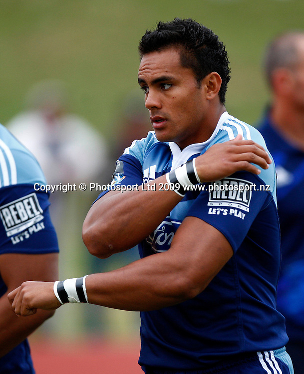 Blues' Rudi Wulf in action between Super 14 franchise teams, Blues versus Reds rugby union pre season match. Waitakere Trusts Stadium, Henderson, Auckland, New Zealand. Friday 30 January 2009. Photo: Simon Watts/PHOTOSPORT