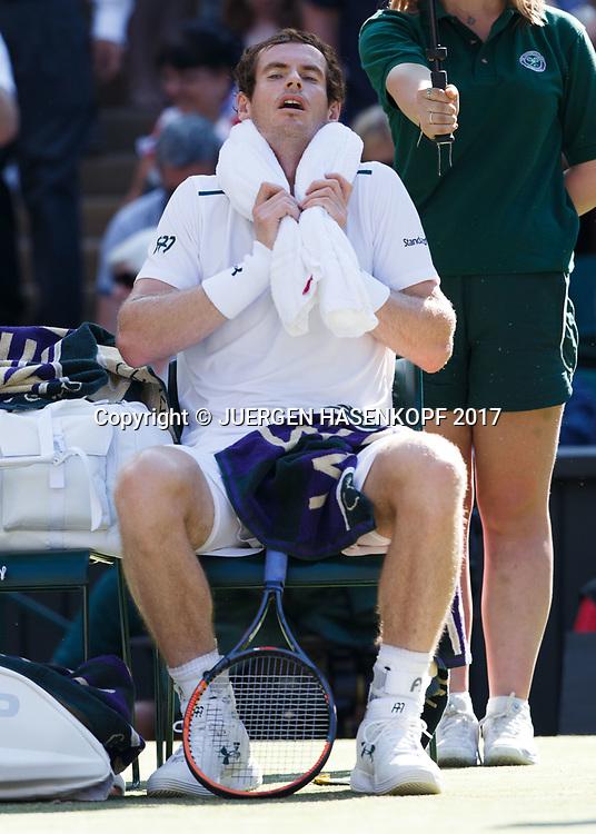 ANDY MURRAY (GBR) sitzt auf dem Stuhl waehrend der Spielpause mit einem Eispack auf der Schulter, Hitze,<br /> <br /> Tennis - Wimbledon 2016 - Grand Slam ITF / ATP / WTA -  AELTC - London -  - Great Britain  - 5 July 2017.