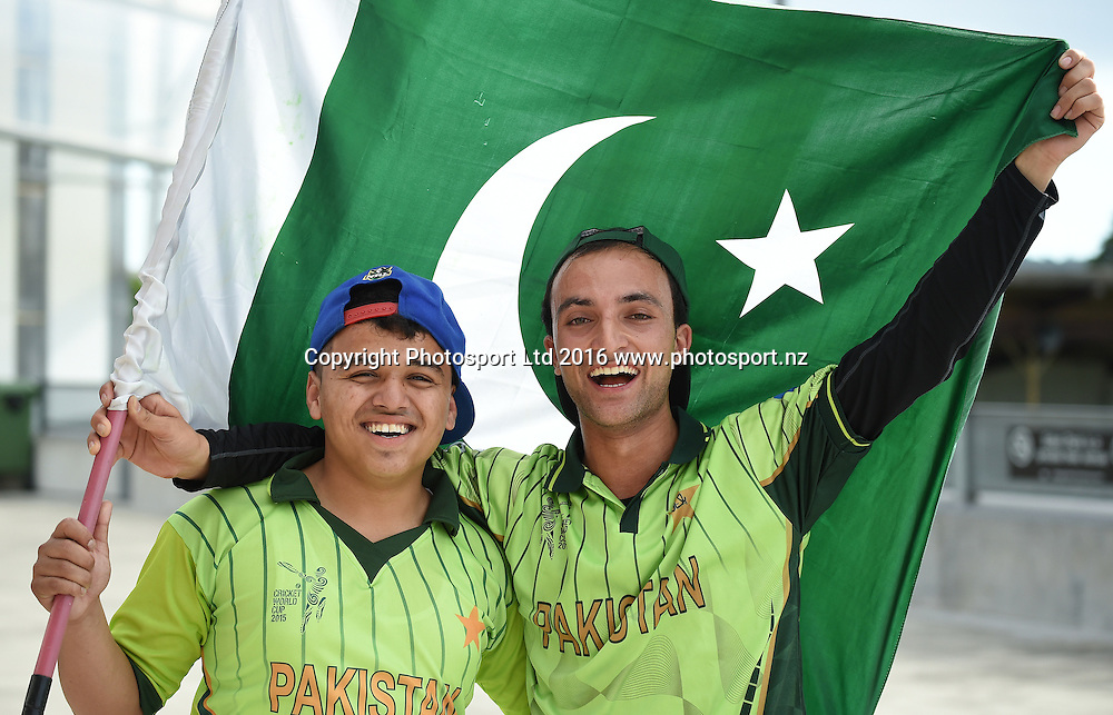 Pakistan fans at the Twenty20 match between New Zealand Black Caps and Pakistan at Eden Park in Auckland, New Zealand. Friday 15 January 2016. Copyright photo: Andrew Cornaga / www.photosport.nz
