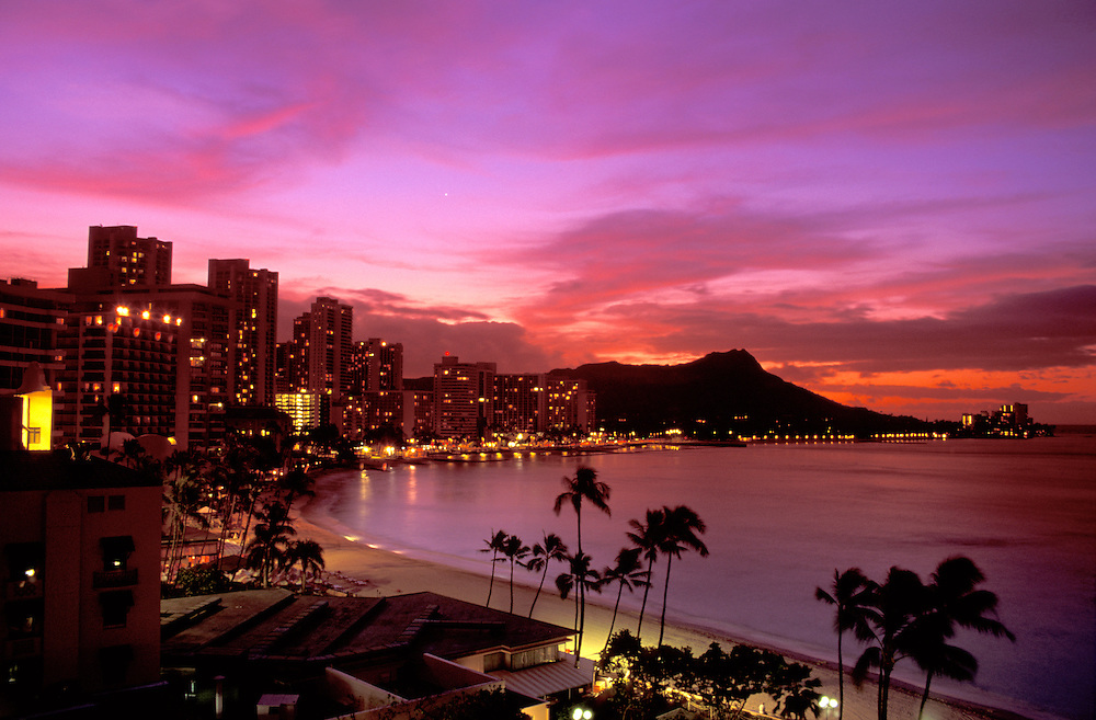 Waikiki Beach and Diamond Head after sunset, Waikiki Beach, Honolulu,  Oahu, Hawaii, USA