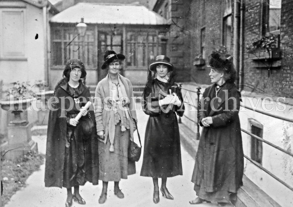 TDs attending the meeting to ratify the Anglo-Irish Treaty that established the Irish Free State, Dec. 1922-Jan. 1922. L-R: unknown, Constance Markiewicz, unknown and Margaret Pearse. (Part of the Independent Newspapers Ireland/NLI Collection)