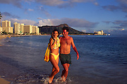 Couple on Beach, Waikiki, Oahu, hawaii<br />