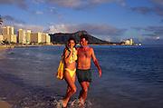 Couple on Beach, Waikiki, Oahu, hawaii<br />