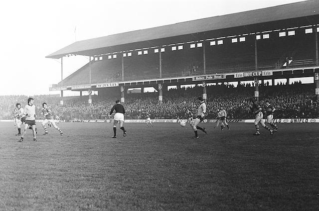Dublin goes to kick the ball up the field during the All Ireland Senior Gaelic Football Semi Final, Dublin v Kerry in Croke Park on the 23rd of January 1977. Dublin 3-12 Kerry 1-13.