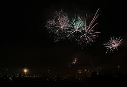 01.01.2012, Pernitz, AUT, im Bild Neujahrs-Feuerwerk zum Jahreswechsel 2011 auf 2012 // New Year Fireworks turn of the year 2011 to 2012, Pernitz, Austria on 2012/01/01, EXPA Pictures © 2012, PhotoCredit: EXPA/ S. Woldron