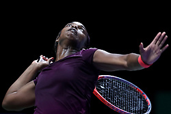October 27, 2018 - Singapore - Sloane Stephens of the United States serves during the semi final match between Sloane Stephens and Karolina Pliskova on day 7 of the WTA Finals at the Singapore Indoor Stadium. (Credit Image: © Paul Miller/ZUMA Wire)