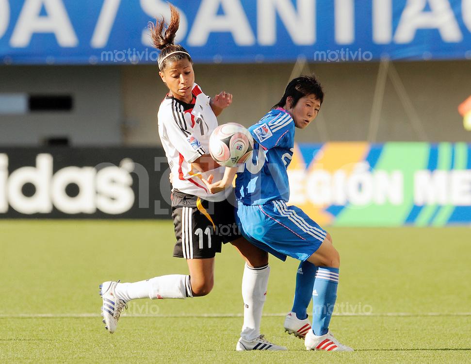 Fussball Frauen FIFA U 20  Weltmeisterschaft 2008    23.11.2008 Deutschland - Japan     Germany - Japan Yuka KADO (re, JPN) im Zweikampf mit Nicole BANECKI (li, GER).