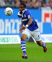 """18. September 2011: Gelsenkirchen, Veltins-Arena """"Auf Schalke"""": Fussball 1. Bundesliga, 6. Spieltag: FC Schalke 04 - FC Bayern Muenchen: Schalkes Jefferson Farfan am Ball."""