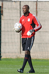 Liverpool, England - Tuesday, October 2, 2007: Liverpool's goalkeeper Charles Itandje training at Melwood ahead of the UEFA Champions League Group A match against Olympique de Marseille. (Photo by David Rawcliffe/Propaganda)
