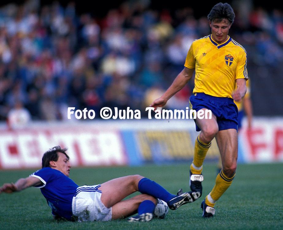 07.05.1989, ROEsunda, Solna, Sweden..Roger Ljung (Sweden) v Erik Holmgren (Finland).©JUHA TAMMINEN