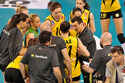 09-04-2016 ITA: CEV DenizBank Champions League Fenerbahce Grundig Istanbul - VakıfBank Istanbul, Montichiari<br /> Vakifbank wint met 3-0 en plaatst zich voor de finale / Head coach of Vakifbank Istanbul Giovanni Guidetti, Lonneke Sloetjes #10<br /> <br /> ***NETHERLANDS ONLY***