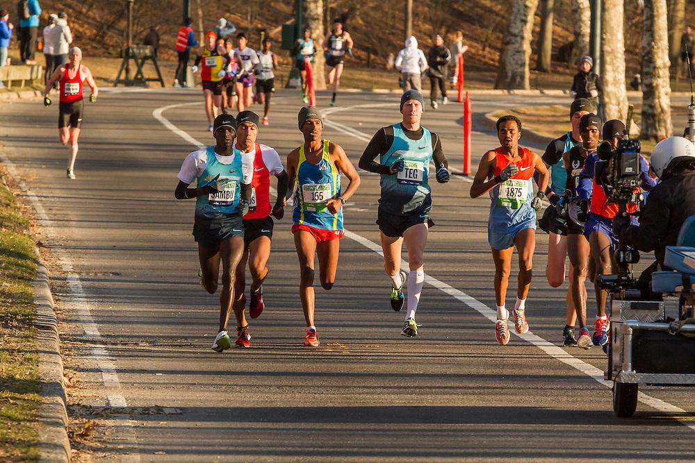 lead pack of elite men in Central Park, Sambu,Tegenkamp,