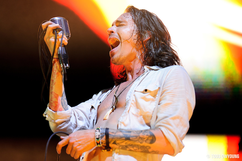 Incubus performing at Verizon Wireless Amphitheater in St. Louis on August 20, 2011. © Todd Owyoung.