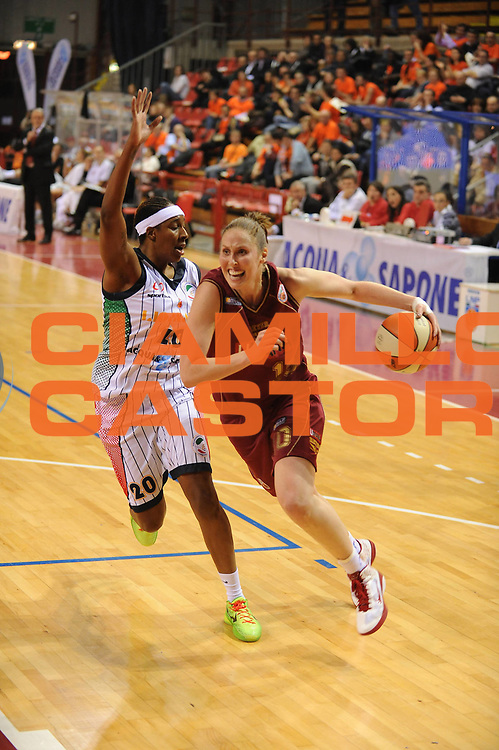 DESCRIZIONE : Perugia Lega A1 Femminile 2010-11 Coppa Italia Semifinale Liomatic Umbertide Umana Reyer Venezia<br /> GIOCATORE : Katherine Ohlde<br /> SQUADRA : Umana Reyer Venezia<br /> EVENTO : Campionato Lega A1 Femminile 2010-2011 <br /> GARA : Liomatic Umbertide Umana Reyer Venezia<br /> DATA : 12/03/2011 <br /> CATEGORIA : penetrazione<br /> SPORT : Pallacanestro <br /> AUTORE : Agenzia Ciamillo-Castoria/M.Marchi<br /> Galleria : Lega Basket Femminile 2010-2011 <br /> Fotonotizia : Perugia Lega A1 Femminile 2010-11 Coppa Italia Semifinale Liomatic Umbertide Umana Reyer Venezia<br /> Predefinita :