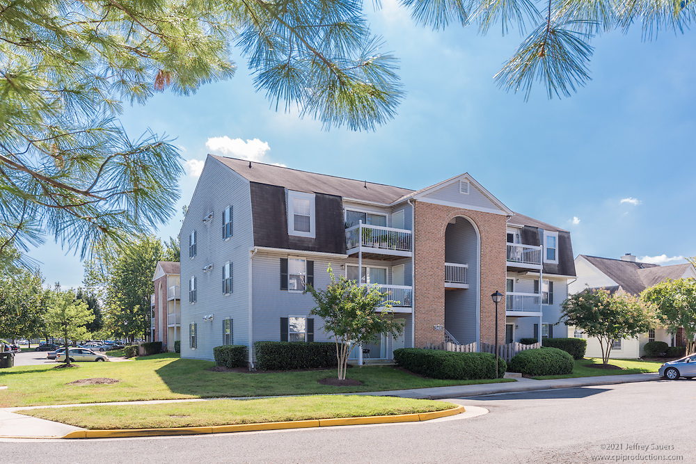 Exterior Photo of Sacramento Square Apartments in Alexandria Virginia by Jeffrey Sauers of Commercial Photographics, Architectural Photo Artistry in Washington DC, Virginia to Florida and PA to New England