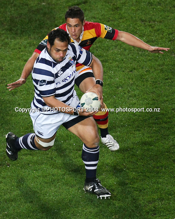 Auckland's John Afoa about to be tackled by Jackson Willison. Air NZ Cup, Waikato v Auckland, Waikato Stadium, Hamilton, Saturday 30 August 2008. Photo: Stephen Barker/PHOTOSPORT