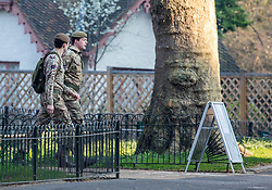© Licensed to London News Pictures. 27/03/2020. London, UK. Soldiers walk through St James's Park as Prime Minister Boris Johnson orders police to enforced the lockdown with fines being given out to people for travelling in to London without good reason as the coronavirus crisis continues. Photo credit: Alex Lentati/LNP