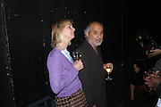 Phillipa Walker and Alan Yentob. Beck's Futures 2005. ICA. 26 April 2005. ONE TIME USE ONLY - DO NOT ARCHIVE  © Copyright Photograph by Dafydd Jones 66 Stockwell Park Rd. London SW9 0DA Tel 020 7733 0108 www.dafjones.com