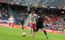 29.07.2015, Red Bull Arena, Salzburg, AUT, UEFA CL, FC Salzburg vs Malmoe FF, Qualifikation, 3. Runde, Hinspiel, im Bild v.l.: David Atanga (FC Red Bull Salzburg), Yoshimar Yotun (Malmoe) // during the UEFA Championsleague Qualifier 3rd round, 1st Leg Match between FC Salzburg and Malmoe FF at the Red Bull Arena in Salzburg, Austria on 2015/07/29. EXPA Pictures © 2015, PhotoCredit: EXPA/ JFK