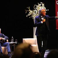 Nederland, Amsterdam , 11 februari 2014.<br /> Moszkowicz geeft theatercollege in rechtvaardigheid in De la Mar theater die ingeleid worden door moderator Harry Starren<br /> Bram Moszkowicz gaat het theater in om zijn inzichten op het gebied van rechtvaardigheid en rechtspraak te delen. De oud-advocaat werd vorig jaar van het tableau geschrapt en geeft vandaag een Theatercollege over hoe 'de vork daadwerkelijk in de steel zit'. Moszkowicz belooft in de praktische les korte metten te maken met 'heilige boontjes, bleekneuzige betweters, kwetterende papegaaien en over het paard getilde grootheden van klein formaat'. De 53-jarige oud-advocaat is in januari aan de slag gegaan als juridisch adviseur bij het advocatenkantoor Brink Attorneys in Amsterdam. Daarnaast krijgt hij een wekelijkse column in De Telegraaf.<br /> Foto:Jean-Pierre Jans
