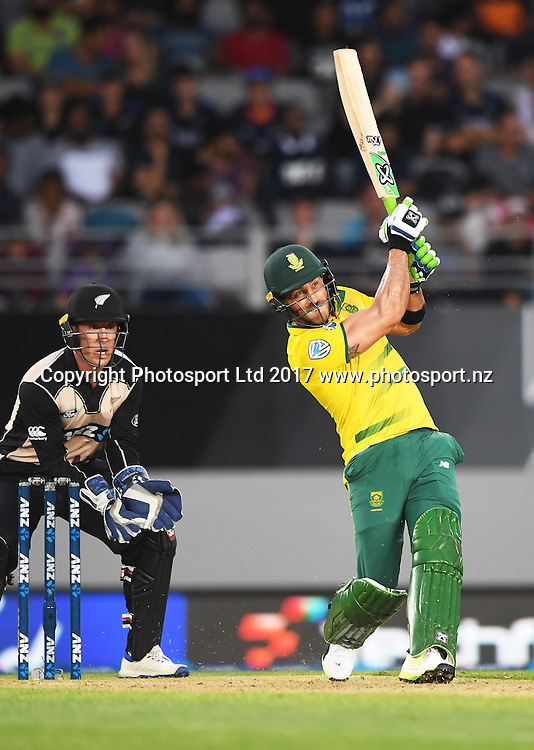 South African batsman and captain Faf du Plessis. International Twenty20 Cricket. New Zealand Black Caps v South Africa, Eden Park, Auckland, New Zealand. Friday 17 February 2017 © Copyright photo: Andrew Cornaga / www.photosport.nz