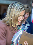 17-2-2016 - LEIDEN Queen Maxima visiting debt relief Buddy Netherlands, a national organization that helps people who have got into financial trouble or at risk of exclusion. copyright Robin Utrecht/ Luka de Kruijf<br /> 17-2-2016 - LEIDEN Koningin Maxima brengt een bezoek aan SchuldHulpMaatje Nederland, een landelijke vereniging die mensen helpt die in financi&euml;le problemen zijn geraakt of dreigen te raken. copyright Robin Utrecht/ Luka de Kruijf