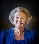 Prinses Beatrix der Nederlanden reikt woensdag 15 juni 2016 de Zilveren Anjers van het Prins Bernhar