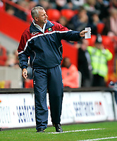Photo: Tom Dulat.<br /> <br /> Charlton Athletic v Queens Park Rangers. Coca Cola Championship. 27/10/2007.<br /> <br /> Manager of Charlton Athletic Alan Pardew.