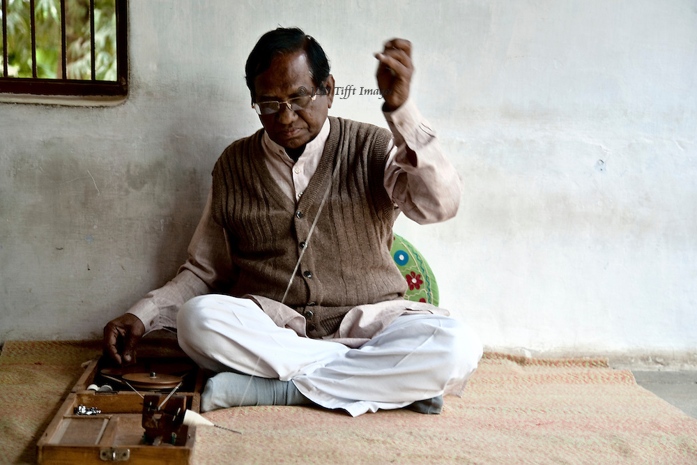 People come to Ghandi's ashram to meditate while spinning, as did Ghandi himself.