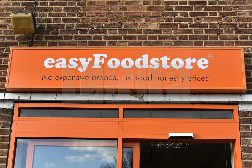 © Licensed to London News Pictures. 02/02/2016. London, UK. The new easyFoodstore budget Supermarket in Park Royal, north London which is selling a range of food products all at 25p each. The discount shop, which is owned by the EasyJet company, offers shoppers groceries ranging from pasta to beans to cleaning products. Fresh meat, fruit and vegetables are not yet available. Photo credit: Ray Tang/LNP