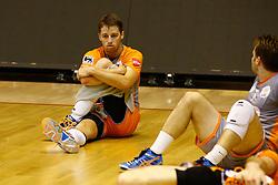 20141029 BEL: Eredivisie, Callant Antwerpen - Volley Behappy2 Asse - Lennik: Antwerpen<br />Robbert Andringa (6) of Volley behappy2 Asse - Lennik<br />©2014-FotoHoogendoorn.nl / Pim Waslander