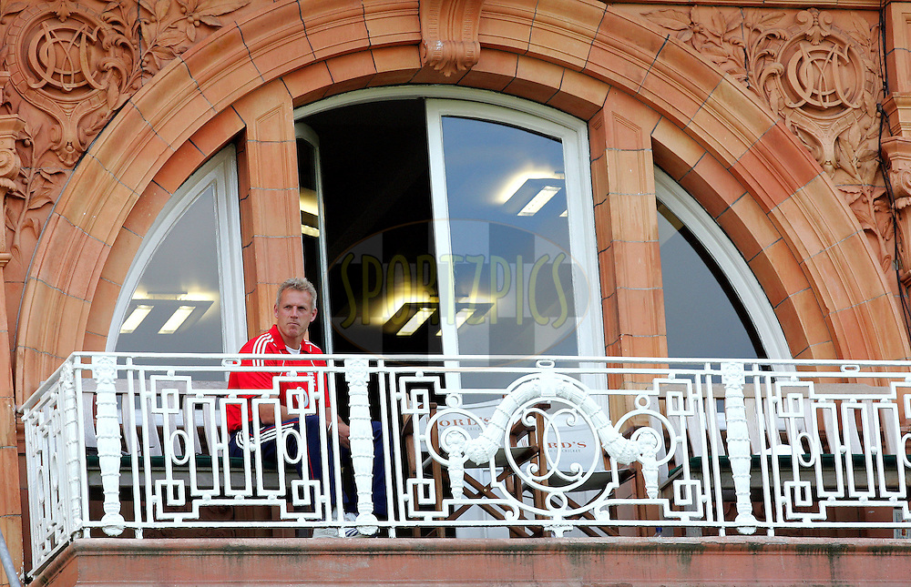 Photo © ANDREW FOSKER / SECONDS LEFT IMAGES 2008  -  A disappointed Peter Moores - England Coach sits on the England balcony during the presentations - England v New Zealand Black Caps - 5th ODI - Lord's Cricket Ground - 28/06/08 - London -  UK - All rights reserved