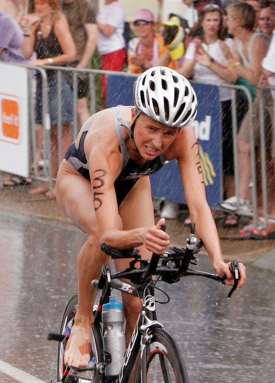 Emma Snowsill powers to victory in torrential rain