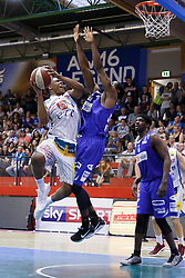 05.06.2017, Walfersamhalle, Kapfenberg, AUT, ABL Finale, ece Bulls Kapfenberg vs Redwell Gunners Oberwart, 4. Spiel, im Bild von links Kareem Jamar (ece bulls Kapfenberg), Christopher McNealy (Redwell Gunners Oberwart), Cedric Kuakumensah (Redwell Gunners Oberwart) // during the Austrian Basketball League final round 4th match between ece Bulls Kapfenberg and Redwell Gunners Oberwart at the Walfersam Sportscenter, Kapfenberg, Austria on 2017/06/05, EXPA Pictures © 2017, PhotoCredit: EXPA/ Erwin Scheriau