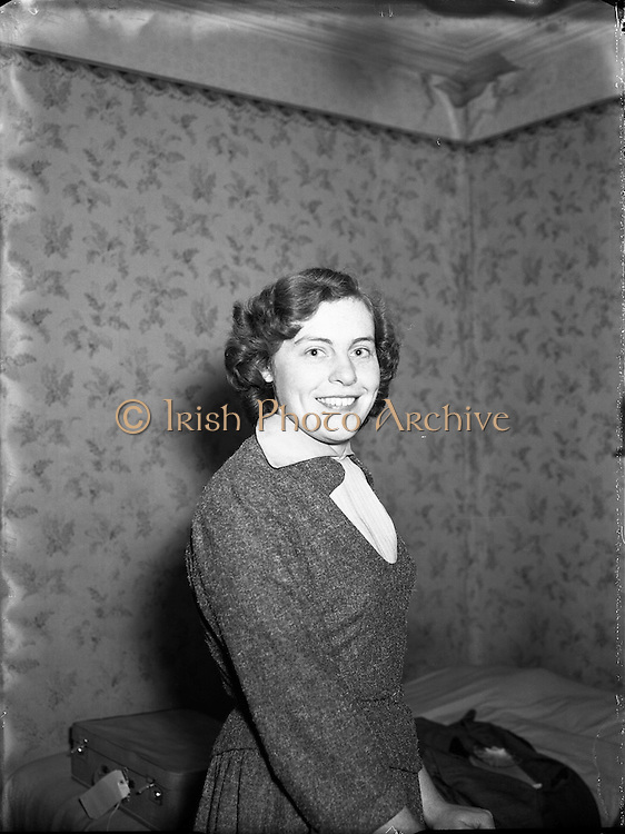 21/12/1955<br /> 12/21/1955<br /> 21 November 1955<br /> <br /> Special for Radio Review - Crossword Prizewinner Miss Dobson, 58 Haddington Rd, Dublin