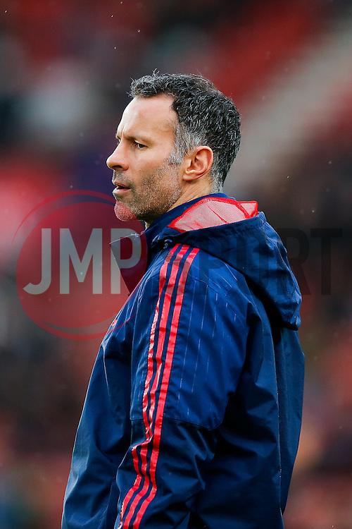 Manchester United Assistant Manager Ryan Giggs looks on during the warmup - Mandatory byline: Rogan Thomson/JMP - 26/12/2015 - FOOTBALL - Britannia Stadium - Stoke, England - Stoke City v Manchester United - Barclays Premier League - Boxing Day Fixture.