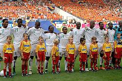 16-06-2006 VOETBAL: FIFA WORLD CUP: NEDERLAND - IVOORKUST: STUTTGART <br /> Oranje won in Stuttgart ook de tweede groepswedstrijd. Nederland versloeg Ivoorkust met 2-1 / Lineup Ivoorkust <br /> ©2006-WWW.FOTOHOOGENDOORN.NL
