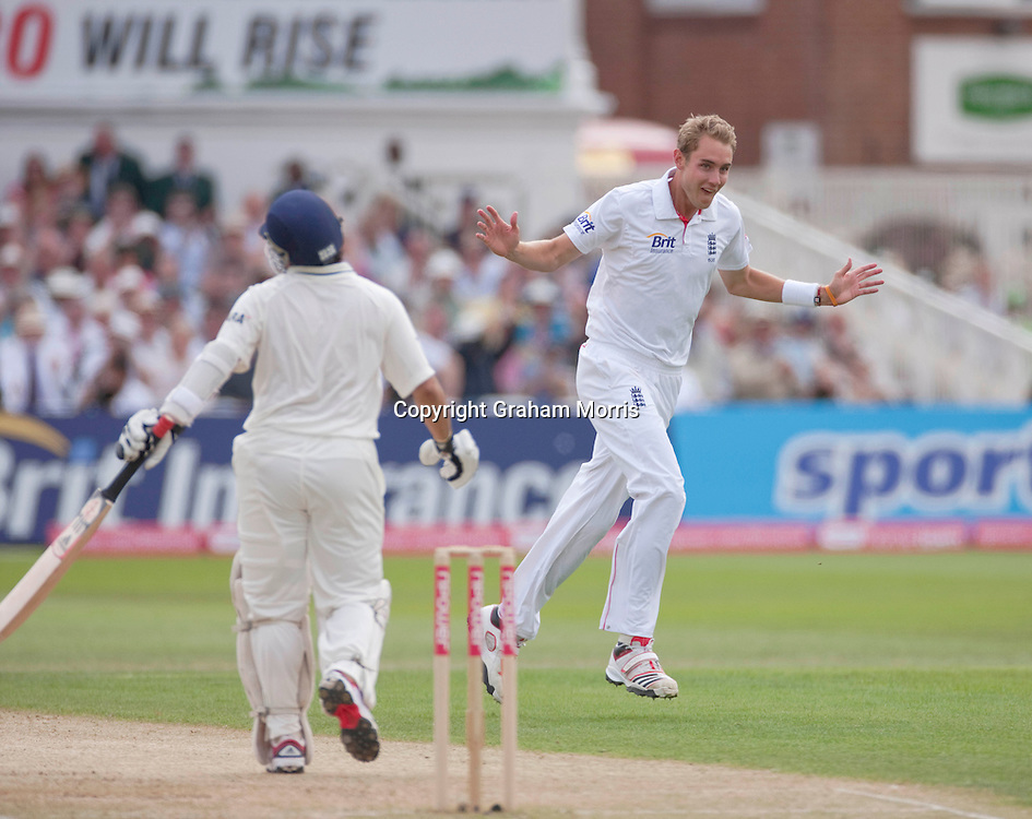 Sachin Tendulkar out to Stuart Broad (right) during the second npower Test Match between England and India at Trent Bridge, Nottingham.  Photo: Graham Morris (Tel: +44(0)20 8969 4192 Email: sales@cricketpix.com) 30/07/11