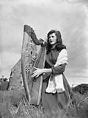 1954 - 28/05 Harpist Mary O'Hara