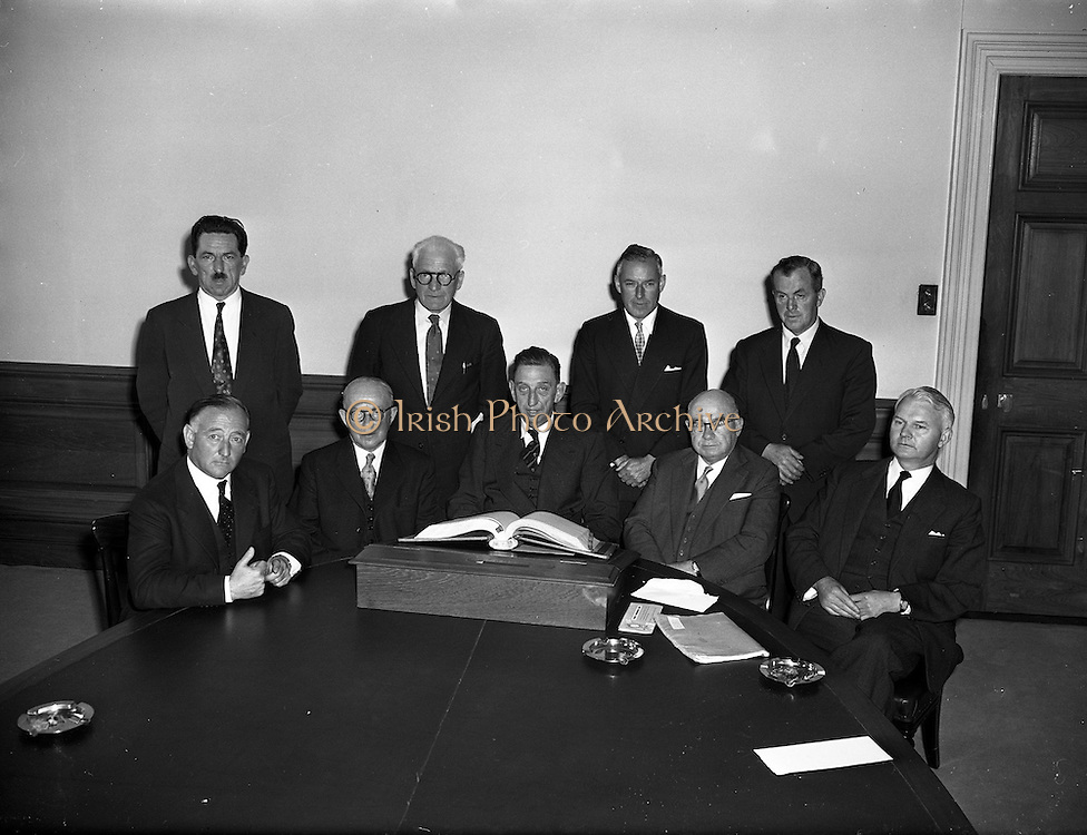 04/09/1958<br /> 09/04/1958<br /> 04 September 1958<br /> C.I.E. Board of Directors first meeting at Kingsbridge (Heuston) station.